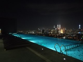 Luxury Duplex Unit 4R_2 level_Infinity Sky Pool_Near KLCC双层四房豪华公寓_无敌全景泳池