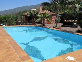 Casa con impresionantes vistas y piscina privada