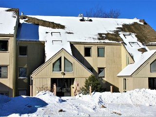 Whiffletree E4 - One bedroom Ski back to the condo or take the shuttle provided