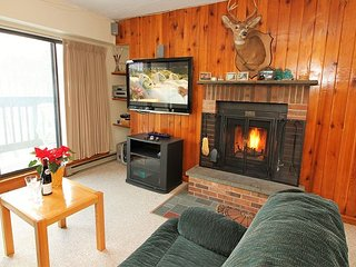 Mountain Green two bedroom condo - Close to Snowshed Base lodge with access t