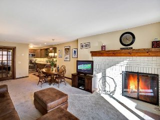Sunrise West Glade L3 -Ski on/ski off two bedroom, pool,hot tub & fitness center