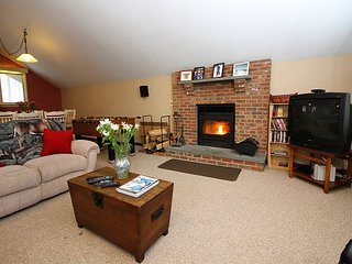 Snowbird - Four bedroom Private home with private hot tub