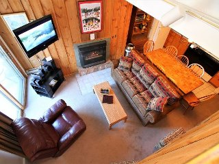 Whiffletree G8 -Three Bedroom Ski back to the condo or take the shuttle provided
