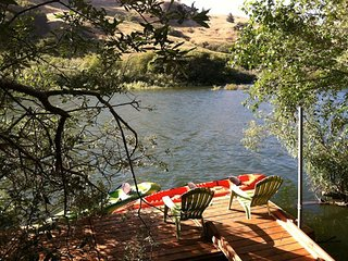 Riverside Retreat - Picturesque, Riverfront Cottage, Hot Tub