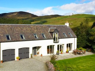 ★ Luxury Rural Scottish Hideaway ★ Log burner + Beautiful Views ★