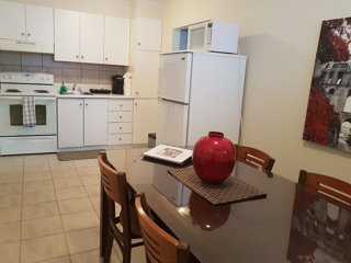 Suite #3 Amazing 1 brm Apt 5 min. from D.T. Ottawa