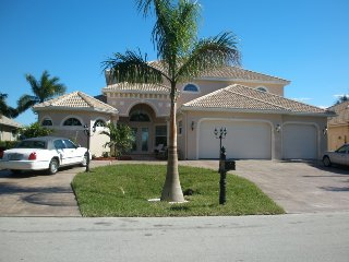 Near New 5 bedroom/5 bath Canal Estate Home near Cape Harbor