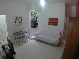 2 Bedrooms Dias Ferreira LEB12
