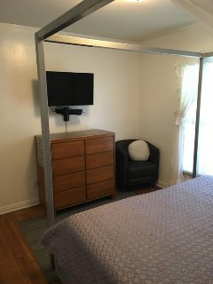 Bedroom 3 also has cable television and dvd player inside tv.