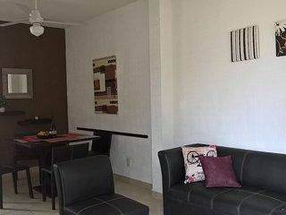 Se renta casa en Fraccionamiento con Alberca, Bonita y Cómoda