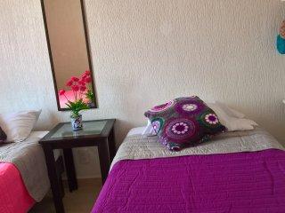 Se renta casa en Fraccionamiento con Alberca, Bonita y Comoda