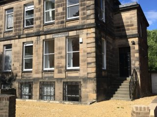 A  4 bed apartment in Newcastle city center Victorian house on two floors