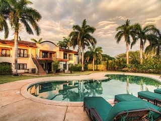 Amazing Mansion Near the Beach-Cook Included! All-Inclusive Options Available