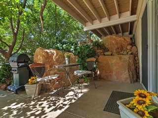 Quiet Apartment w/Views Near Zion National Park!