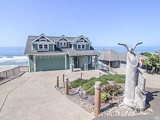 THIS IS LUXURY at it's finest! Oceanfront, hot tub, game room, fire pit!
