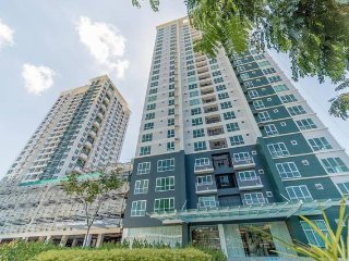 Abreeza Place,1 bedroom condo / Wifi / Washer- Dryer / 2 min walk to mall