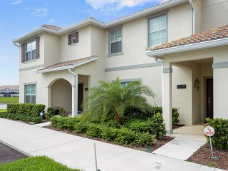 4819 Storey Lake 4 Bedrooms near Disney in Orlando FL