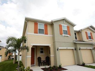 5127 Family Friendly 4 Bedroom close to Disney in Orlando Area