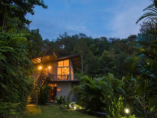 Rustic holiday home rental in Borneo, ideal base for jungle adventure seekers