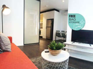 RoXannes in Melbourne CBD (FREE Bag Storage)