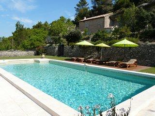 LS2-239 AMANTO, Magnifique Mas provencal avec piscine privee au coeur du Luberon