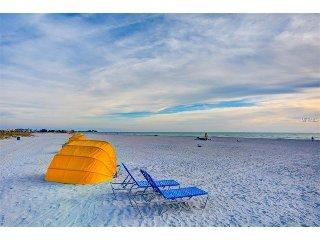 'Beach-U-Tuit' on Treasure Island, FL