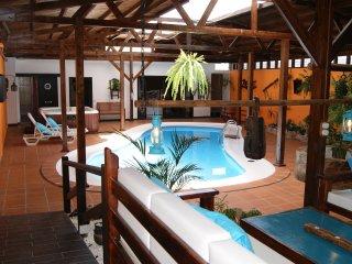 Villa Spa Las Tinajas Triquivijate -Fuerteventura-Jacczi,piscina,gim .privado..