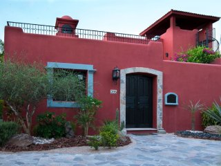 Lovely Mexican Villa at Loreto Bay FN395
