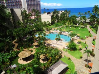 ★Gorgeous High Rise Kaanapali Shores Studio with Stunning Ocean and Pool Views★