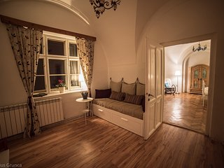 visitTransylvania Apartments - Romantic Apartment in the Old Town