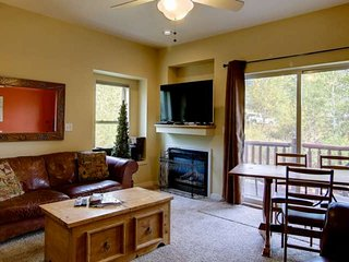 Private Entrance, Great Views, 3-Level Large Town Home, Close to Town/Mtn, Free