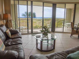 Stunning 3/2 Ocean Front Condo - GREAT PRICE - Sleeps 8!!!
