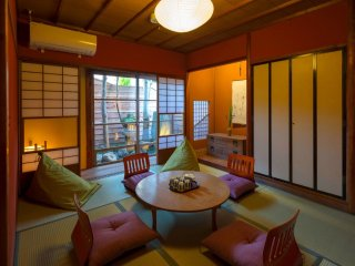NEW!! Renovated Traditional Japanese House x 2Bedroom x WIFI x 6 PAX