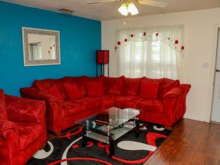 3 BR near AT&T Stadium, Rangers Stadium, Six Flags