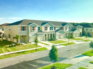 5124C Family Friendly 4 Bedroom close to Disney in Orlando Area