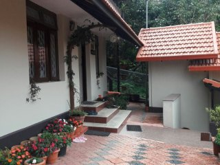PAMMY'S FAMILY HOMESTAY-500 METERS FROM RAJA'S SEAT-MADIKERI