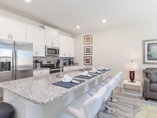 Brand New Luxury 4 Bed Pool Home at Storey Lakes - 5 min from Disney