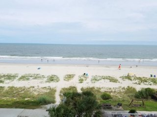 Oceanfront 2 bedroom - Atlantica 451