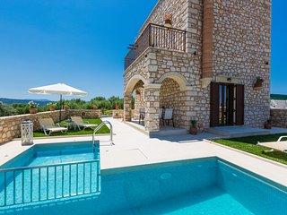 Luxury Villa Marvi