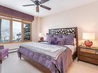 Master Suite 1with king bed