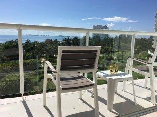 Beachfront Studio - Amazing Views !