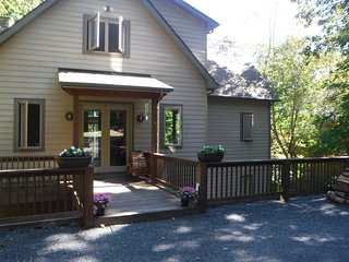 Chestnut Place Mountain Lodge
