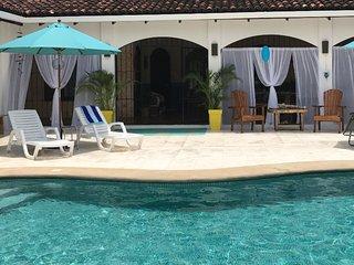 casa Zahuta. secluded beach Villa