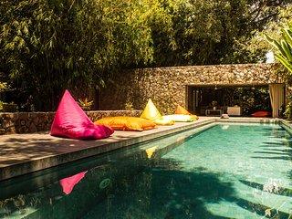 2 Bedroom Wahyu Villa with Big Pool, Perfect for Small Family, Sleeps 4