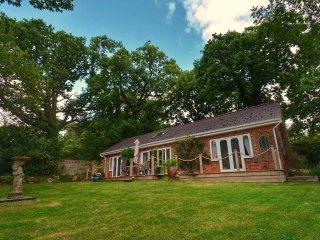 'Kipper Cottage ' Waterside property