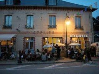 Bar and restaurant Royere-de-Vassiviere