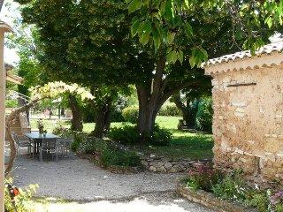 LS7-257AMBICIOUN, Joli Mas Provençal avec Piscine à proximité d'Aix en Provence