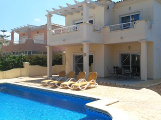 Familiy villa with private pool and 4 bedrooms for a great relax holiday!