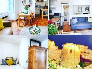 yes Your Stay will be in an Historic Old Town Castle with all the Modcons that your require Central