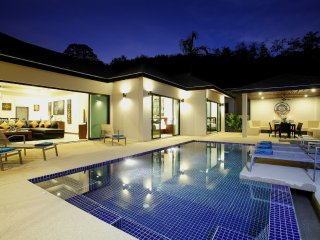 Luxurious Nai Harn Beach 4 Bedroom Pool Villa